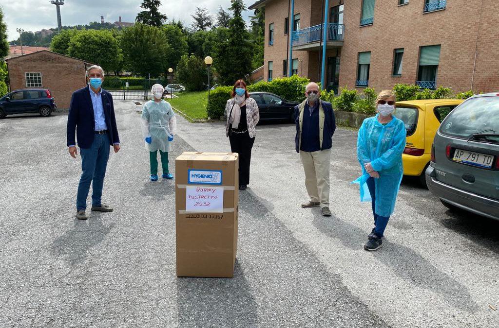 Il Rotary dona un sanificatore e mascherine chirurgiche ad alcune RSA